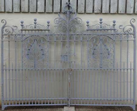 2016-14-04 Antique drive gates 2-450