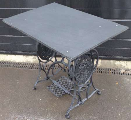 2017-12-01 Sewing machine base cast iron garden table D-450