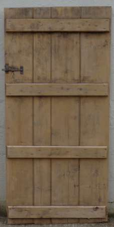 2017-15-03 Pine ledged plank door 3B-450