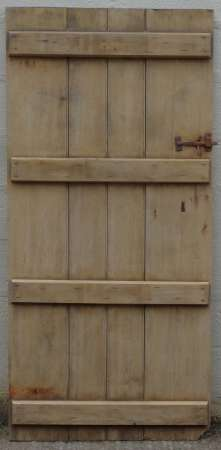 2017-27-03 Wide plank ledged pine door 1B-450
