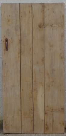2017-27-03 Wide plank ledged pine door 2A-450