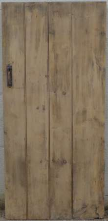 2017-27-03 Wide plank ledged pine door 3A-450