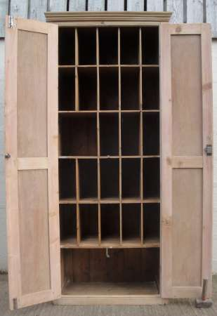 Pine cupboard - pigeon holes D-450